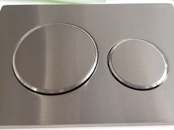 Solidny metalowy przycisk spłukujący do wc Geberit SIgma 20 115.882.SN.1-image_Geberit_115.882.SN.1_3