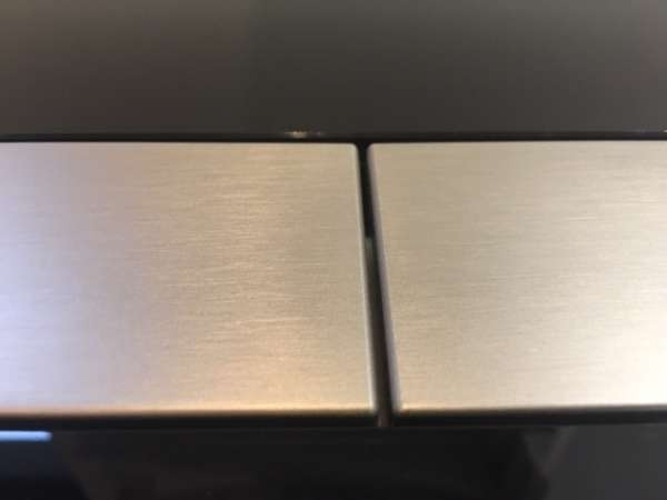 Foto z reala przycisk spłukujący Tece Square 9.240.806 do spłuczek podtynkowych Tece.-image_Tece_9.240.806_7
